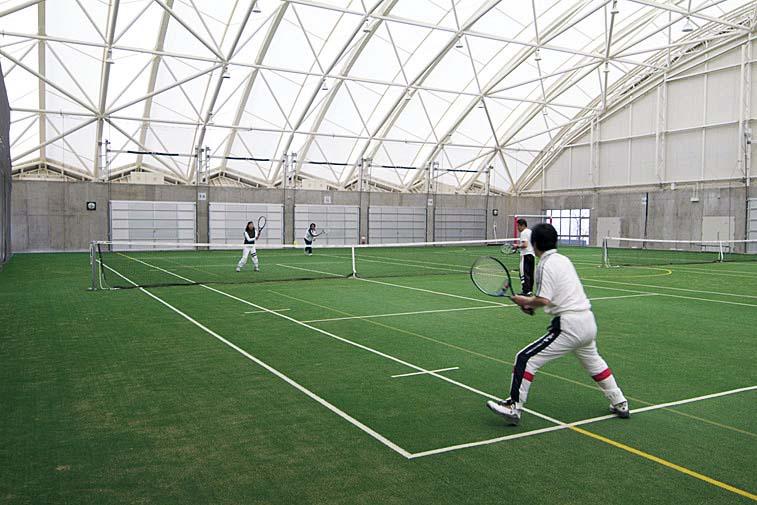 桃山運動公園 屋内テニスの様子