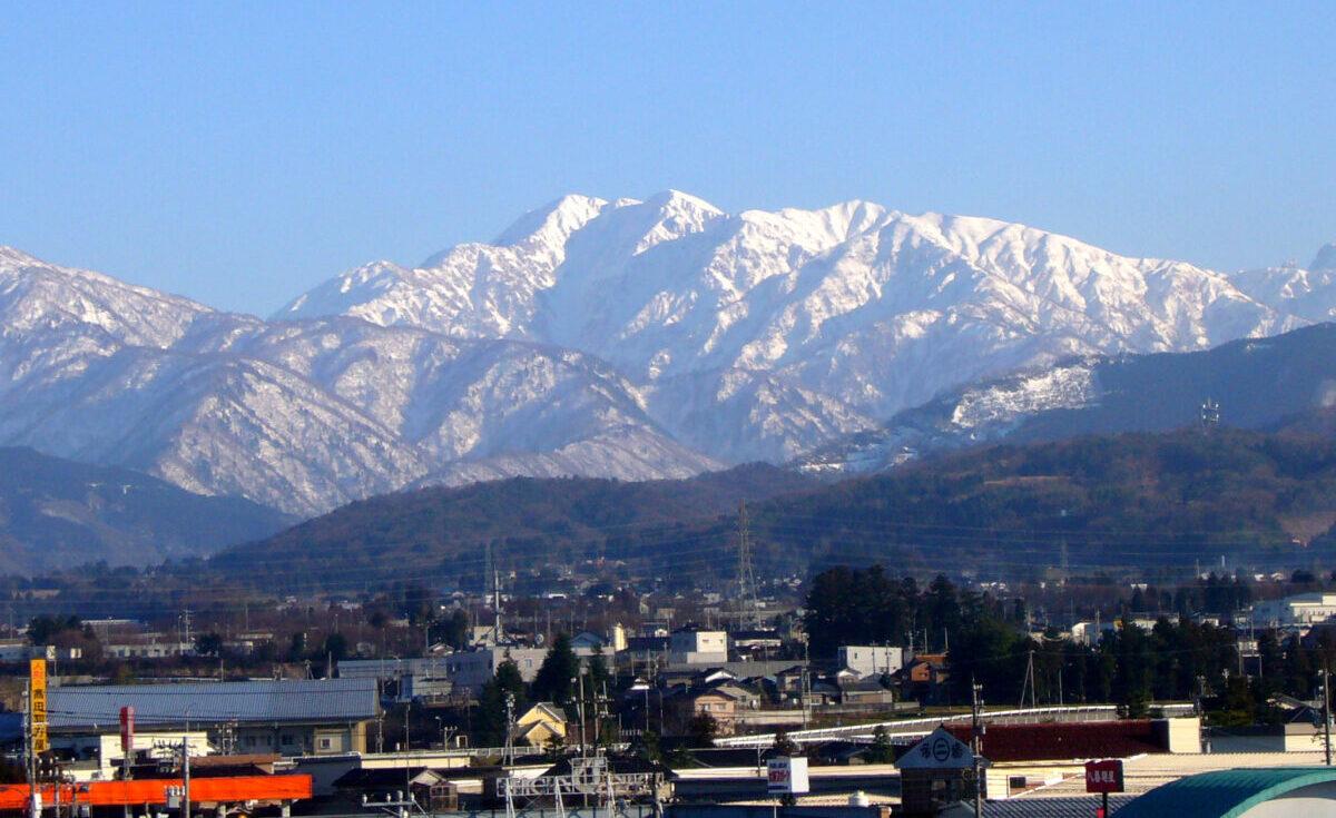 毛勝三山(けかちさんざん)の一つ、毛勝山